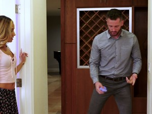 Naughty Averie Moore Seduces Step Uncle And Sucks His Dick Greedily