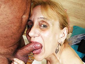 Бабуля,Венгерское порно,Обвисшие сиськи,Страшные