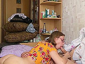 Глотать сперму