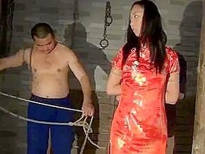 Pornô asiático,BDSM,Pornô chinês,Jovens