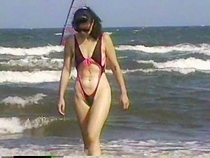 Extreme Swimsuit At The Beach Behind Mie University 3