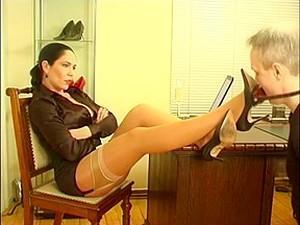 Shoe Worship - Madame Kyra