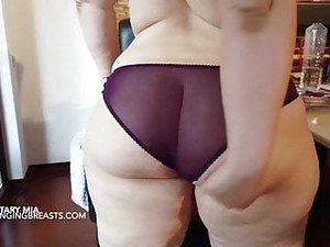 Her Boss Loves His Secretary's Thick Body