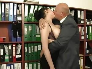 Bunaciuni grasane,Brunete,Mamici bunaciuni,Orgasm,Secretare