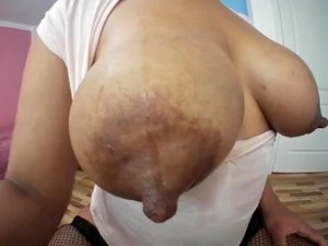 She Wet The Milk Shirt, You Can See Her Nipples