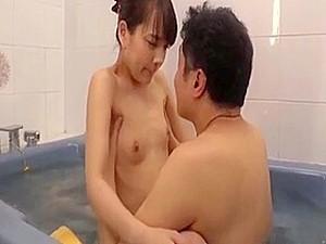 アジアポルノ,初体験,日本人のポルノ,若い