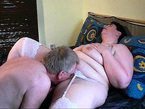 Fat Mature Woman In White Stockings Gets Her Peach Licked A