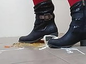 New Boot Crush Food And Make Them Little Messy