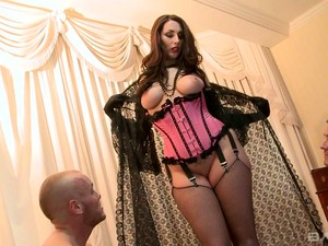 Before Giving Head Babe In Corset Paige Turnah Prefers To Ride Dick