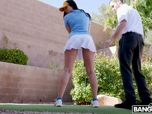 Ardent Golf Player Rachel Starr Sucks Her Instructor's Dick On The Lawn