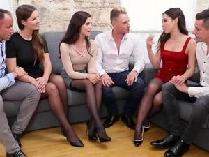 Seks grupowy,Impreza,Pończochy,Swingersi