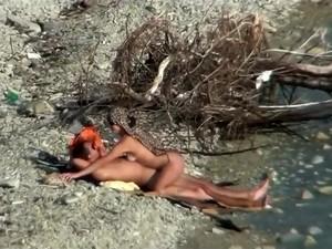 La plaja,Nudisti