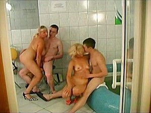 Rus pornosu,Sauna,Duş