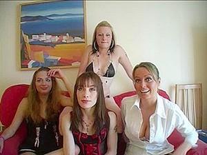 大奶头,英国色情,群交