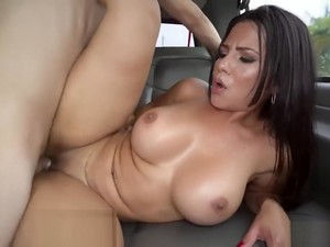 Rose Monroe Twerks On The Car