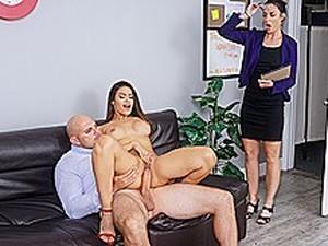 Peitos grandes,Salto alto,MILF,Ejaculação feminina,Professor