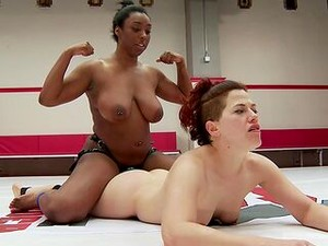 Busty Ebony Works The Pussy Into The Ring During A Sexy Cat Fight