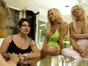 Lesbe,Orgie,Strapon