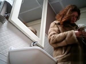 Women Pee In Public Toilet 2273