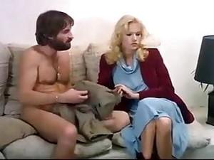 大奶头,法国色情,葡萄酒,偷窥癖者