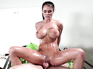 Oiled Up Sexy Lady Peta Jensen Had Steamy Sex With Her Ex BF