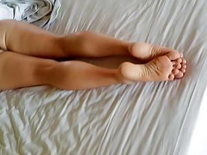 Cum Shot On Sexy Soles Of Her Feet