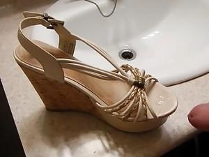 Cute Chinese Shoes Cum