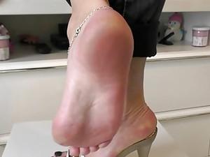 اقدام,كعب عالي,حذاء