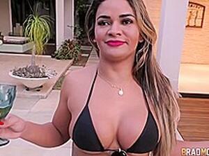 大奶头,巴西色情,褐发,纹身