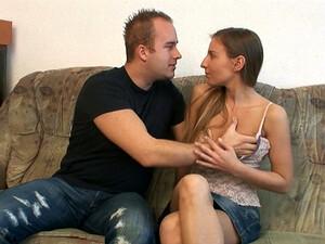 Czech Teen Girl Gives Good Blowjob To Her New Sex Partner