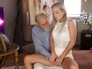 Perverted Gaffer Cannot Resists On Licking Wet Pussy Of Shanie Ryan