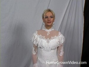 Cute Babe In A Wedding Dress Spreads Her Legs For A Nice Fuck