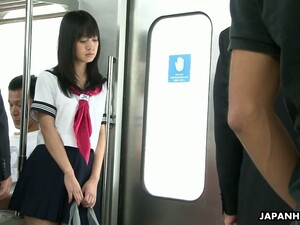 轮奸,火车,超短裙
