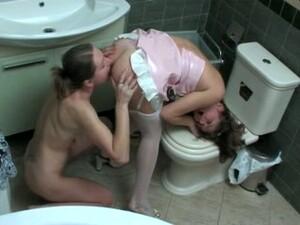Pokojówka,Toaleta
