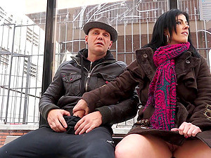 Jacking Dick In Public Gets This Curvy Girl All Hot And Bothered