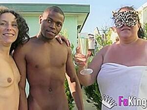 三人组,性感胖女人,褐发,不同人种,熟妇