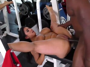 Horny Brunette, Raven Hart Went To The Gym To Have Casual Sex With Her Personal Trainer