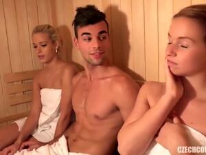 Blond,Gruppensex,Eigenperspektive,Sauna,Kleine titten