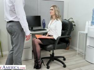 Офис,Секретарша