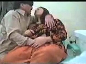 Pakistani Dentist Fucks Patient