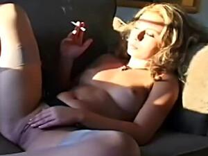 Blonde,Fetish,Pircing,Fumand,Ciorapi
