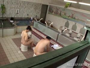 Asyalı pornosu,Elle mastürbasyon,Japon pornosu,Havuz,Gerçek