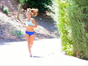 小妞,丰满,自然,吸烟,运动