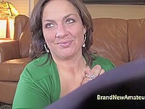 Kayla Gives A Good Blowjob In This Casting!