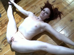 Flexible Wild Brunette Spreads Legs To Pet Her Holes With Toys For Orgasm