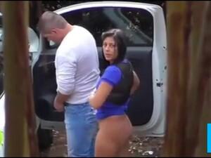 امرأة سمراء,سيارة,زوجين,مومس,سكس خارجي
