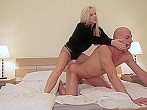 Pantat,Tetek besar,Seks anal,MILF,Strapon