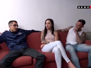 Tetek besar,Gadis Brasil,Rambut coklat,Seks anal,Gadis remaja