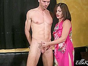 He Let His Hot Cousin Jerk Him Off!