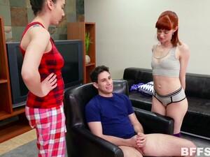 Seks berempat,Mandi pancuran,Kaus kaki